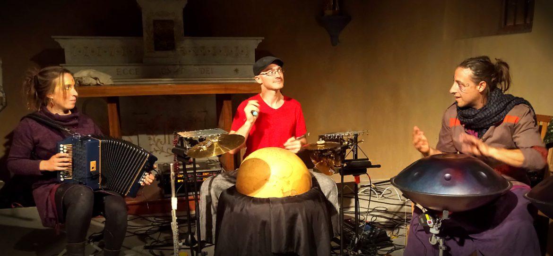 Une improvisation interprétée par EtenSèl à Eourres